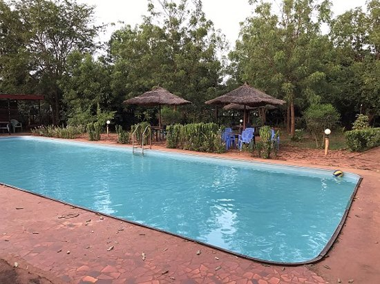 Wau, South Sudan: Swimming pool area, next to the restaurant.