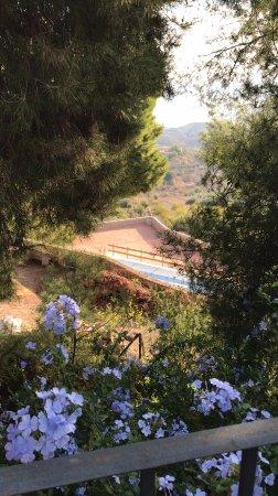 Gebas, España: Overlooking the pool
