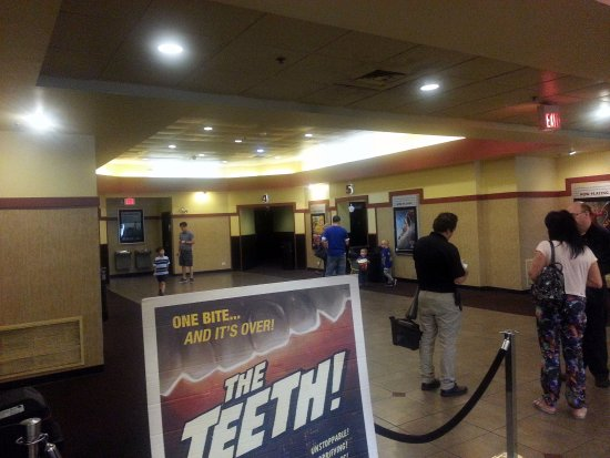 Bloomingdale, IL: the lobby at Picture Show