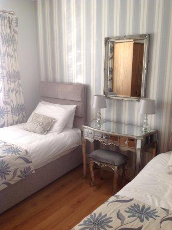 louth hall bed and breakfast bewertungen fotos preisvergleich tallanstown irland. Black Bedroom Furniture Sets. Home Design Ideas