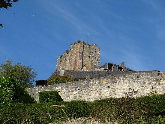 Turenne, França: DSC04069_large.jpg