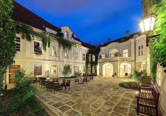 Smetana Hotel: second courtyard