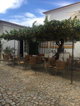 Pousada Convento de Evora: binnentuin