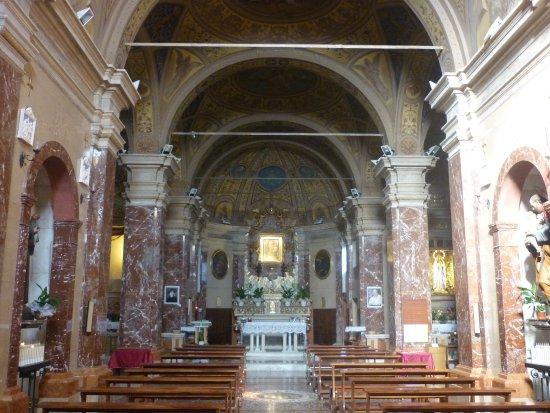 Chiesa Parrocchiale di San Lorenzo: l'interno
