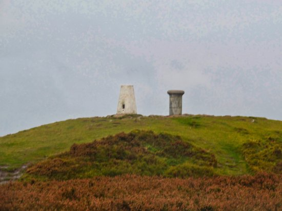 Melrose, UK: Trig Point and Viewpoint on the peak of the Eildon Hills.