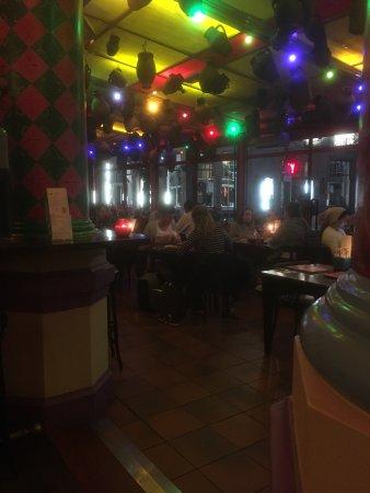 Popocatepetl: Zo ziet het restaurant en de bar er 'savonds uit.