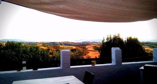 Legoli, Italie : il panorama dalla terrazza