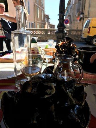 Callian, Francja: photo0.jpg