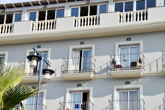 El Morche, Spanien: une des chambres avec le tout petit balcon