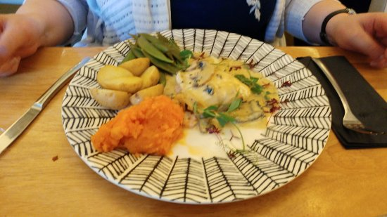 Hawick, UK: Sole and Vegetable