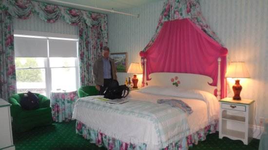 Grand Hotel: Our Room -- Adorable and Spacious!