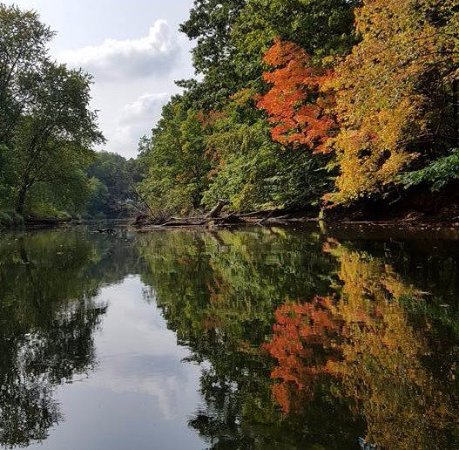 Mantua, OH: Fall is a great time to kayak with Breakaway Excursions near Cleveland Ohio