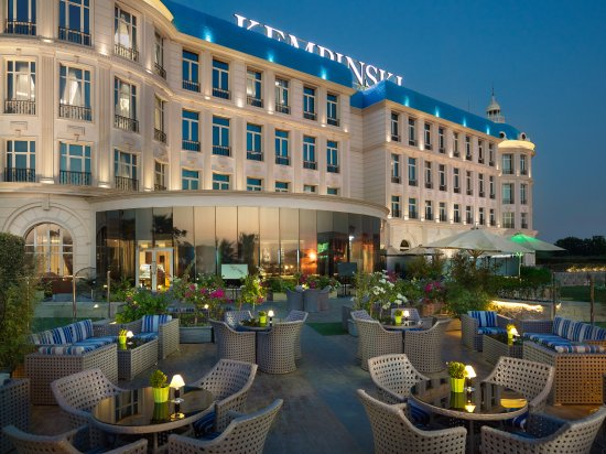 Vibes terrace picture of royal maxim palace kempinski for 15 royal terrace reviews