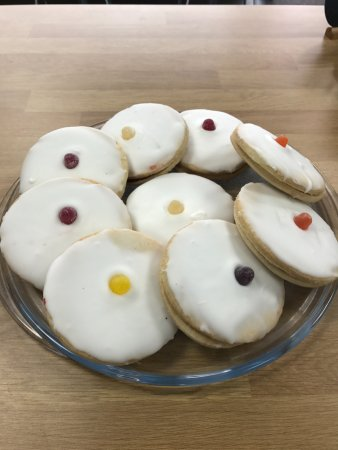 Newton Mearns, UK: Jumbo empire biscuits