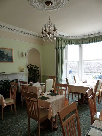Whin Park Guest House: The dining room