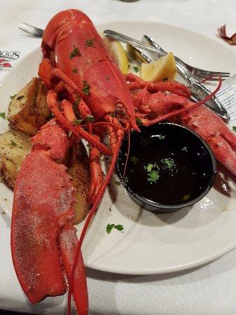 Drago's Seafood Restaurant : patrzył się na mnie...