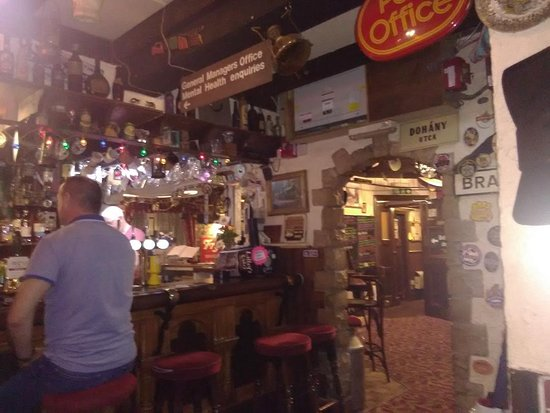Hallatrow, UK: Main Bar