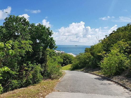 Antigua and Barbuda: Road to see Therapy