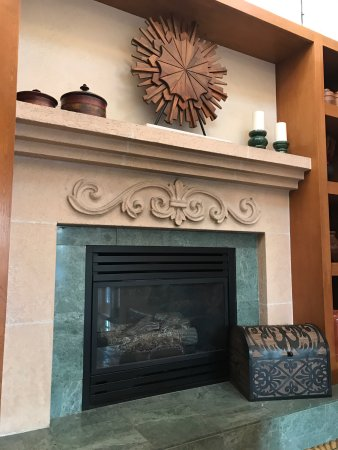 Best Western Plus El Rancho Inn: Lobby