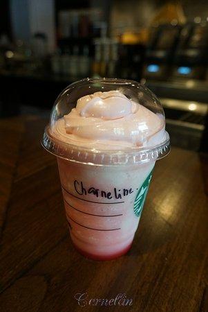 pink frappuccino picture of starbucks reserve jakarta tripadvisor