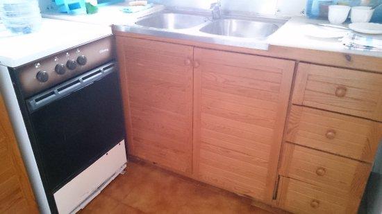 Mercadal, Spagna: Broken drawers