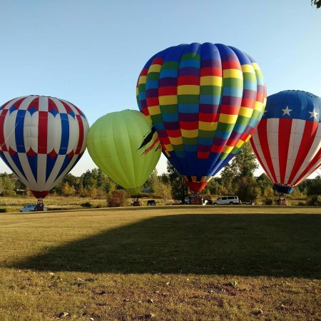 Fenton, MI: The any beautiful balloons of Balloon Quest Inc.
