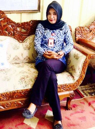 Central Sulawesi, Indonesia: Pewaris kerajaan dan cucu Raja Bungku, Nova Wahab Rabie