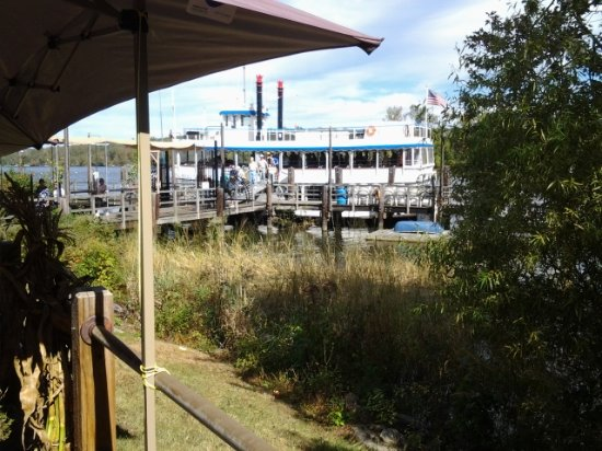 Essex, CT: This was the Riverboat Becky Thatcher awaiting her next guests.