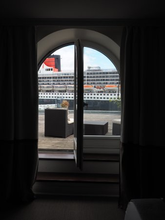 Auberge Saint-Antoine: View of Harbor?