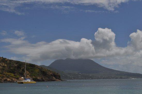 Cockleshell Beach: Nevis