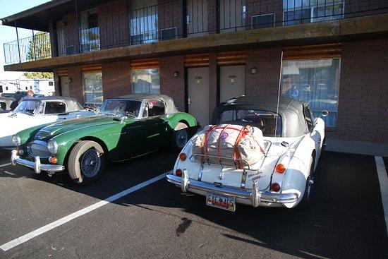 Altavista, VA: Parking de l'hôtel et voitures de collection