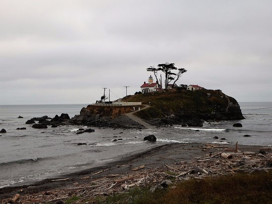 Battery Point Lighthouse: High Tide