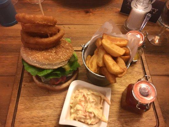 Boughton-under-Blean, UK: Tasty Burger!