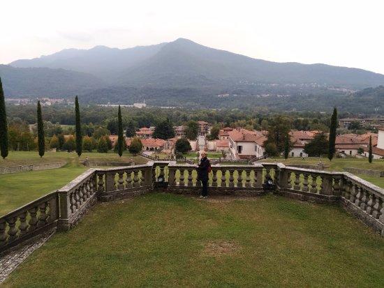 Casalzuigno, Itália: Panoramica dal primo belvedere
