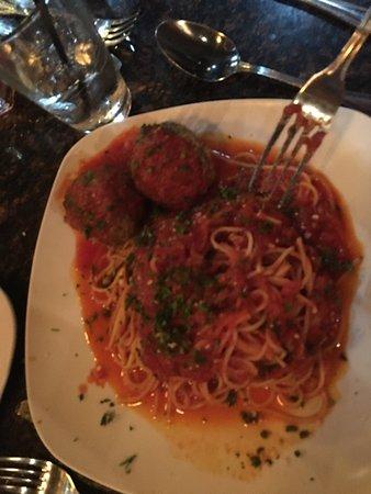 Элмхерст, Илинойс: Beautiful, delicious food.