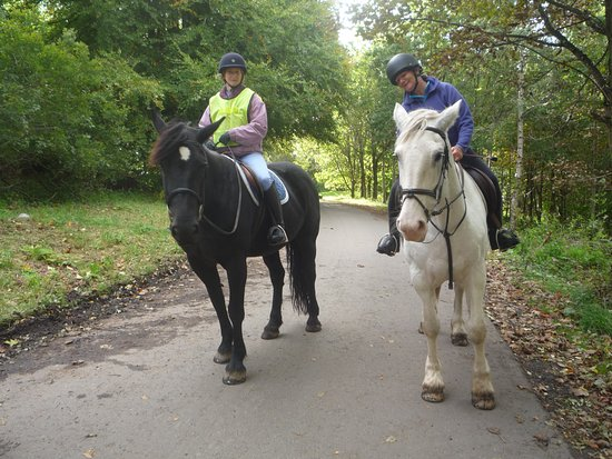 Crieff, UK: Two happy riders!