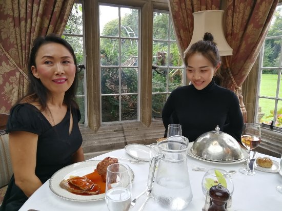 Rotherwick, UK: How to really impress travellers from China - Lunch at Tylney Hall !