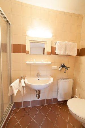 Apartmenthaus Direkt Am Lift Mit Schonen Badern Picture Of