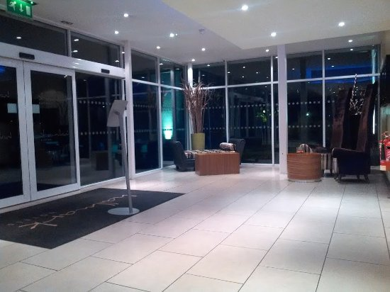 Handforth, UK: Foyer