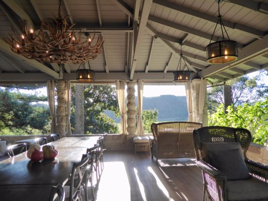 Stags' Leap Winery: Beautiful and peaceful view from the porch