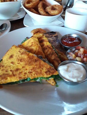 Prince George, Kanada: Best Portabella Mushroom Quesadilla Ever!
