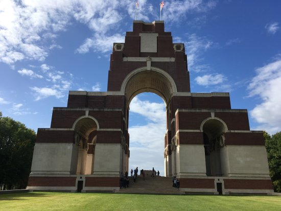 ‪‪Newport Pagnell‬, UK: Thiepval Memorial‬