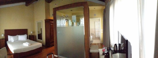 panorama of suite 313
