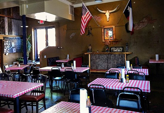 Princeton, Teksas: Comfortable, fun, kiddos welcome and great food!