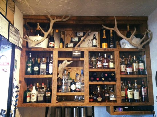 Retford, UK: Our well stocked bar