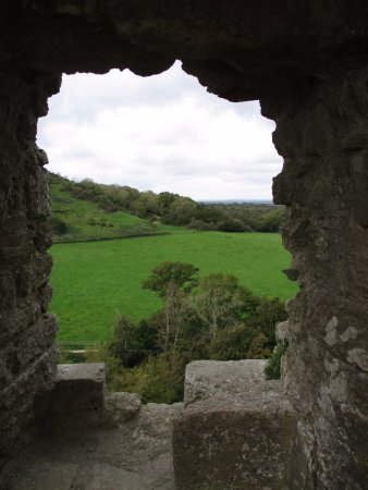 "Corfe Castle, UK: looking through a ""hole"" in the ruins"