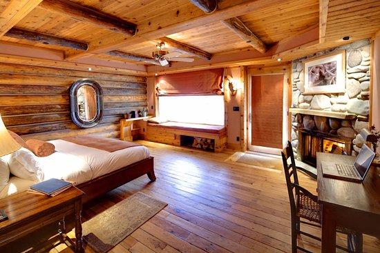 Gallatin Gateway, MT: Pond side Luxury room