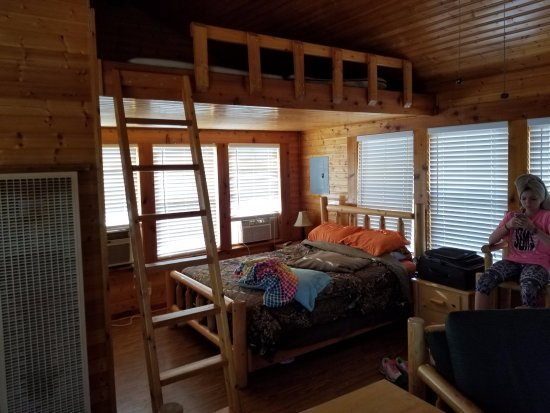 Lake Carl Blackwell: Cabin Sleeping Area With Sleeping Loft