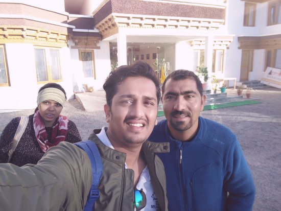 Ratna Hotel Ladakh: Me & my wife with mr tashi