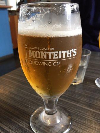 Boat Cafe: On-tap beer
